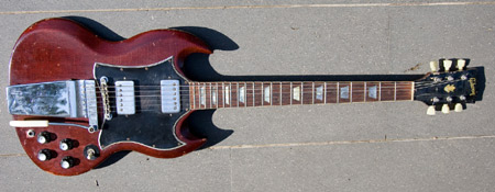 SoloDallas com | Angus Young Guitars (updated)