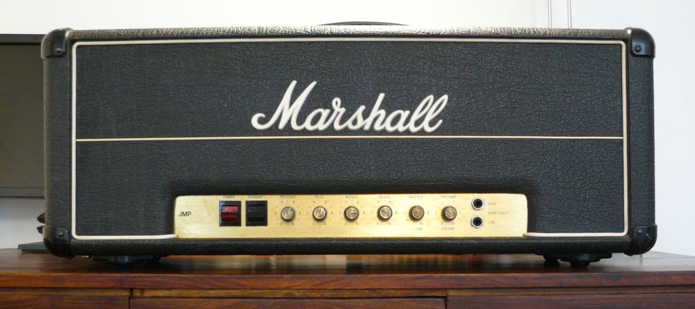 SoloDallas com | Angus Young's Marshall Amplifier(s) & the
