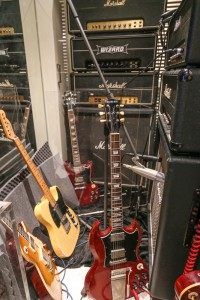 """Recording The Rock N Roll Relics """"Angus Model"""" With A David Allen P51 on a number of amplifiers"""