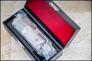 My own Neumann U47 FET out of the Vintage King Audio packaging! Near Mint.