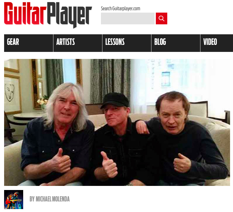 acdc_guitarplayer2a